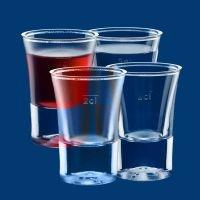 Plastikowe kieliszki do wódki